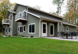three-bedroom-luxury-lake-home-cs