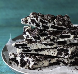 Cookies-and-Cream-Oreo-Bark_Bakers-Royale